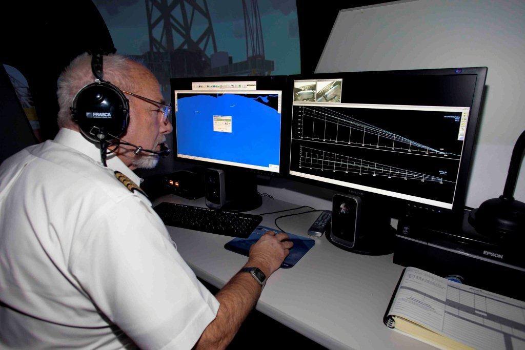 AgustaWestland AW139 Simulator - Frasca Flight Simulation
